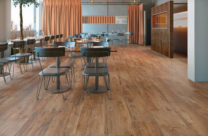 De schoonheid en gemak keramische houtlook tegels