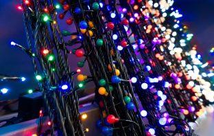 Zo gebruik je kerstverlichting ook als het geen kerst is
