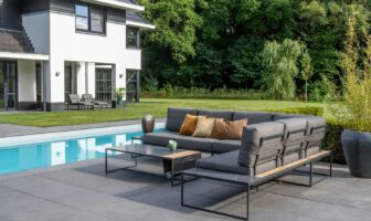 Loungebank in de tuin