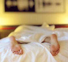 Hoe genieten van een zalige nachtrust? Dankzij een neksteunkussen en een perfect dekbed!